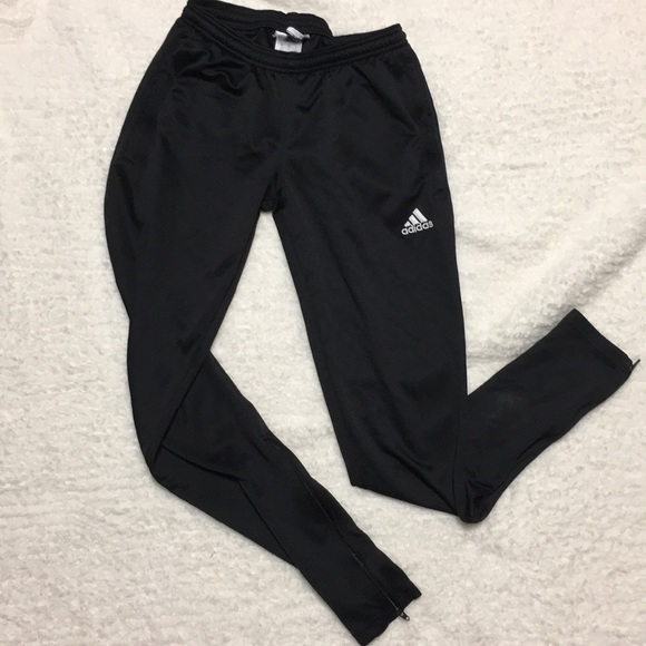 adidas pants no stripes